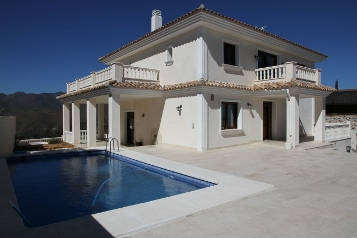 Дом / Town house: 1600000 € (Marbella) Лот: 2016.09
